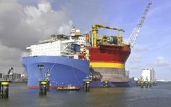 Heavy lift vessel