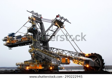 Heavy mining drill machine