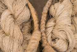 Hemp and flax raw material fibres as rove in baskets