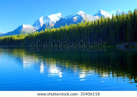 Herbert Lake, Banff, Rocky Mountain, Canada
