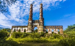 Heritage Iteri Masjid of Champaner also known as Amir manzil( brick tomb). Champaner-Pavagadh Archaeological Park, a UNESCO World Heritage Site, is located in Panchmahal district in Gujarat, India.