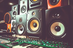 High quality loudspeakers in dj shop.Buy hifi sound system for sound recording studio.Professional audio equipment.hi-fi cabinet speaker boxes on sale.Listen to the music in high quality