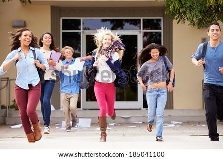 High School Pupils Celebrating End Of Term