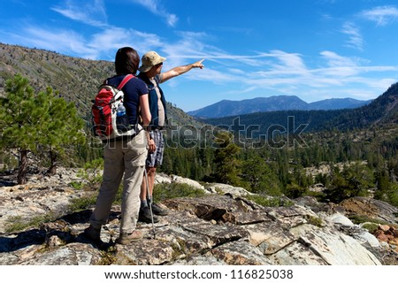 Hiker enjoying the scenery of the Sierra mountains