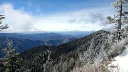 Hiking on Mount LeConte with Snow HORIZON 3