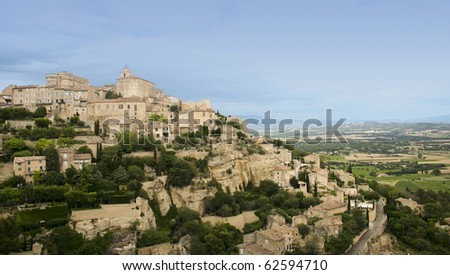 hill town of gordes in provence france