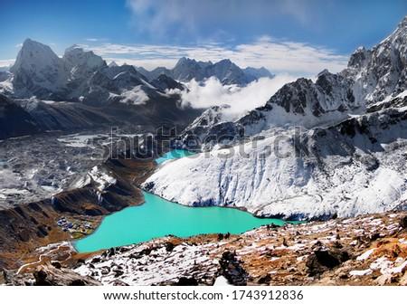 Himalaya mountain lake glacier Himalayas hiking trail in autumn Nepal