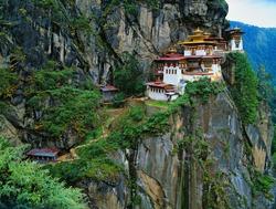 Himalaya, Tibet, Bhutan, Paro Taktsan, Taktsang Palphug Monastery (also known as The Tiger's Nest)