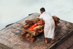 Hindu cremation ritual at the river ghat
