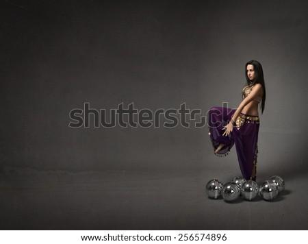 hip hop dance for a belly dancer