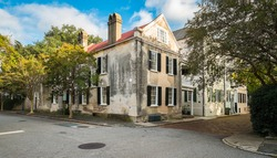 Historic neighborhood in downtown Charleston, South Carolina.