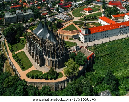Historical Town Centre with the Church of St Barbara (drone shot) Foto stock ©