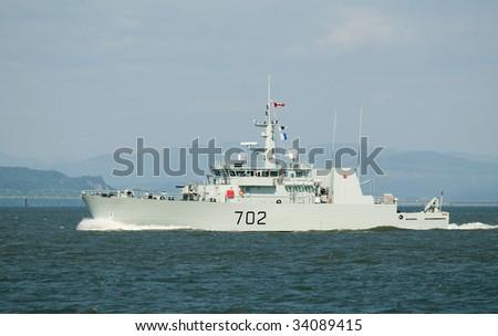 HMCS Naniamo Canadian Navy 702