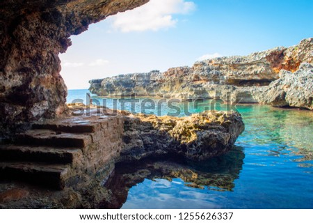 Holidays cala n'bosch beach minorca  - Spain, beautiful playa. cami de cavalls. Turquoise and transparent water for this cove of a paradise island. Foto stock ©