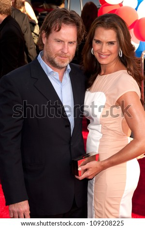 HOLLYWOOD, CA - AUG 2: Actor Brooke Shields & Chris Henchy arrive at the premiere of Warner Bros. Pictures ' The Campaign' at Grauman's Chinese Theatre on August 2, 2012 in Hollywood, California.