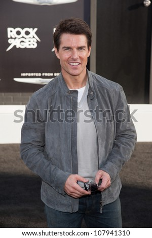 HOLLYWOOD, CA - JUNE 08: Actor Tom Cruise arrives at the premiere of Warner Bros. Pictures' 'Rock of Ages' at Grauman's Chinese Theatre on June 8, 2012 in Hollywood, California.