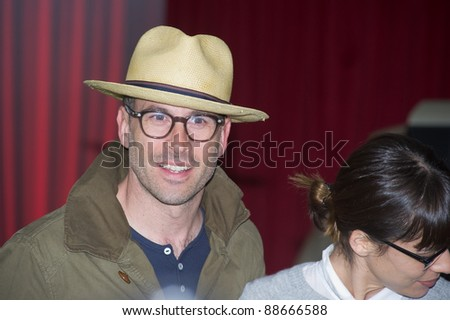"""HOLLYWOOD, CA - NOVEMBER 12: Jason Lee arrives at the Los Angeles premiere of """"The Muppets"""" held at the El Capitan Theater on November 12, 2011 in Hollywood, CA"""