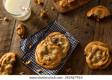 Homemade Chocolate Chip Cookies with Walnuts and Milk