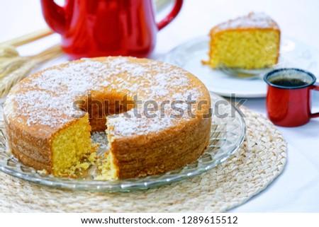 Homemade cornmeal cake with coconut. Foto stock ©