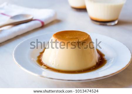 Homemade Creme Caramel with Sweet Syrup / Custard Pudding Foto stock ©