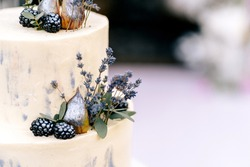 Homemade Wedding Cake with Fresh Daisies and Lavender