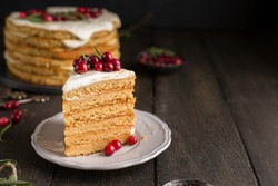 Honey nut ginger and carrot cake decorated with cranberries and rosemary. Perfect Christmas baked goods that you want to eat!)