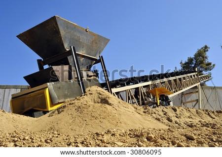 Equipment telematics: Construction conveyor belt hire