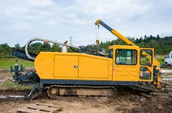 Horizontal directional drilling technology. Drilling machine work process. Trenchless laying of communications, pipes and water pipes
