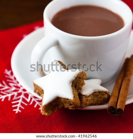 Hot chocolate and cinnamon cookies
