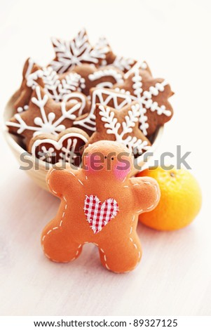 hot wine and gingerbreads - sweet food /shallow DOFF/