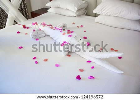 Hotel Suite Bed with Crocodile Shape Towels