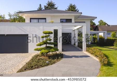 House #453985072