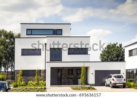 House #693636157