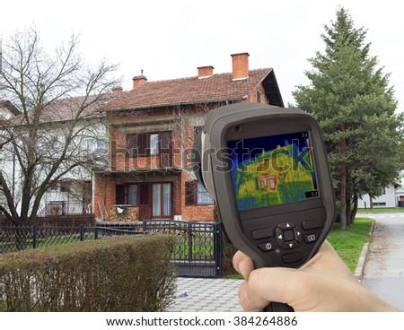 House Facade Thermal Imaging Analysis