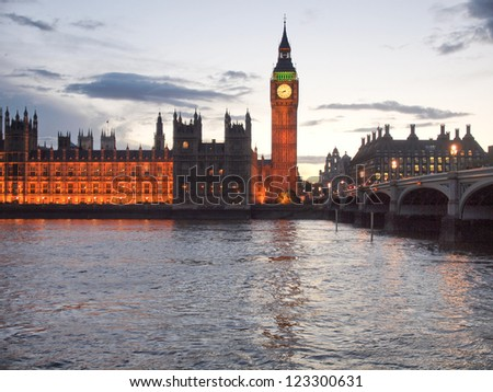 Houses of Parliament Westminster Palace London gothic architecture - at night