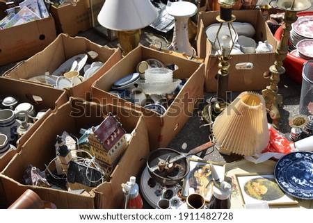Housewares on a flea market  Foto stock ©