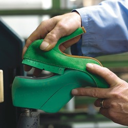 How to build a shoe. Artisan processing phase for the construction of an Italian shoe.