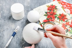 How to make a Christmas ball with decoupage technique. Step by step, tutorial.