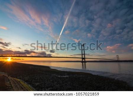 Humber Bridge, Suspension Bridge #1057021859