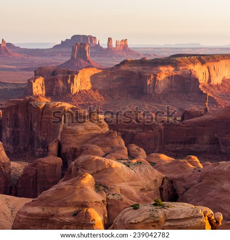 Hunt's Mesa, view of the Monument Valley an sunrise. Outdoor adventure scenics #239042782