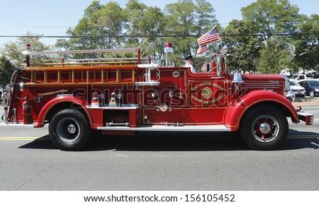 HUNTINGTON, NY - SEPTEMBER 7: 1950 Mack fire truck from Huntington ...