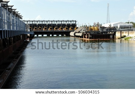 Hurricane And Flood Protection Locks In Lake Pontchartrain At Seventeenth Street Canal, New Orleans, Louisiana ストックフォト ©