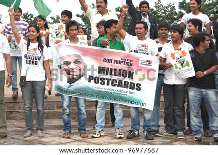 HYDERABAD,AP,INDIA-August 27:Group of young indians pledge their support to India Against Corruption at peoples plaza August 27,2011 in Hyderabad,Ap,India.Movement is aimed at reforms  of systems.