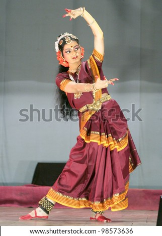 mathur devo bhava Directed by k ajayakumar with tanikella bharani, brahmanandam, chaaruhasan, madhavi.