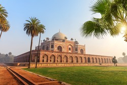 Hymayun's Tomb main view, no people, India, New Delhi