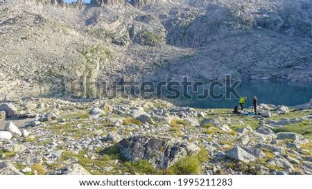 Ibones de Coronas on the ascent to the peak of Aneto en Pirineos Foto stock ©