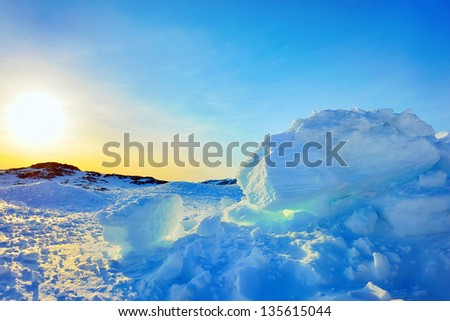 Ice and sun in Greenland in spring time