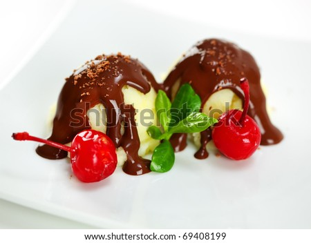 Ice cream with cherry syrup