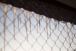 icicles with roof mesh