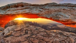 Iconic Mesa Arch in Canyonlands National Park, Utah